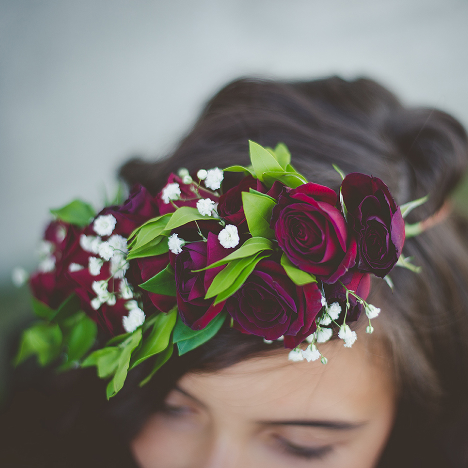 partial flower crown with red spray roses | designed by Natasha Price of Paper Peony and photo by Laura Stennett Photography
