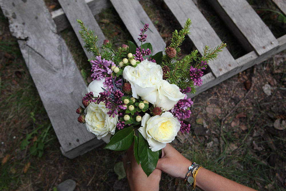 Modest bridal bouquet with garden roses and lilac | designed by Natasha Price of Paper Peony Alaska