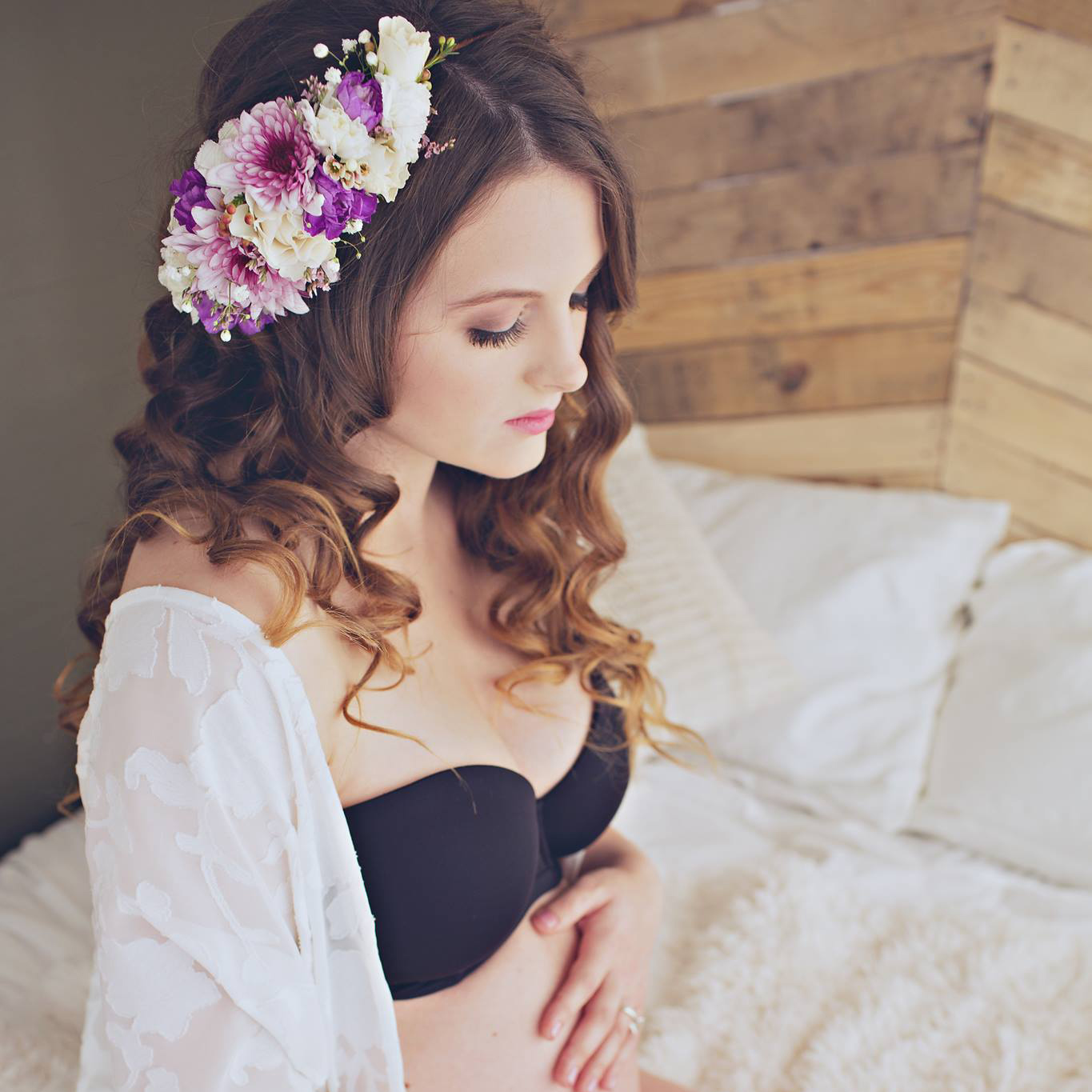 Fresh flower crown by Natasha Price of Paper Peony Alaska and photo by Meringue Boudoir + Portrait