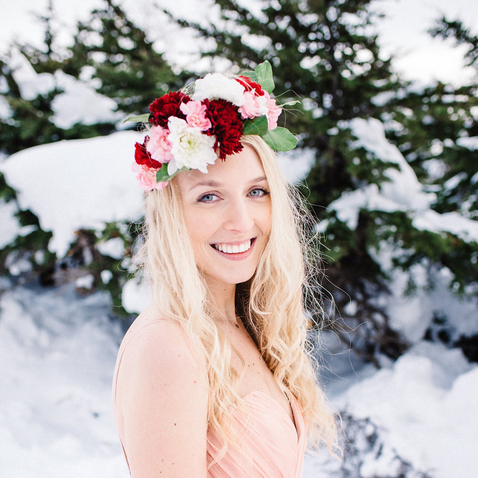 Fresh flower crown by Natasha Price of Paper Peony Alaska and photo by Sara Olivia Photography