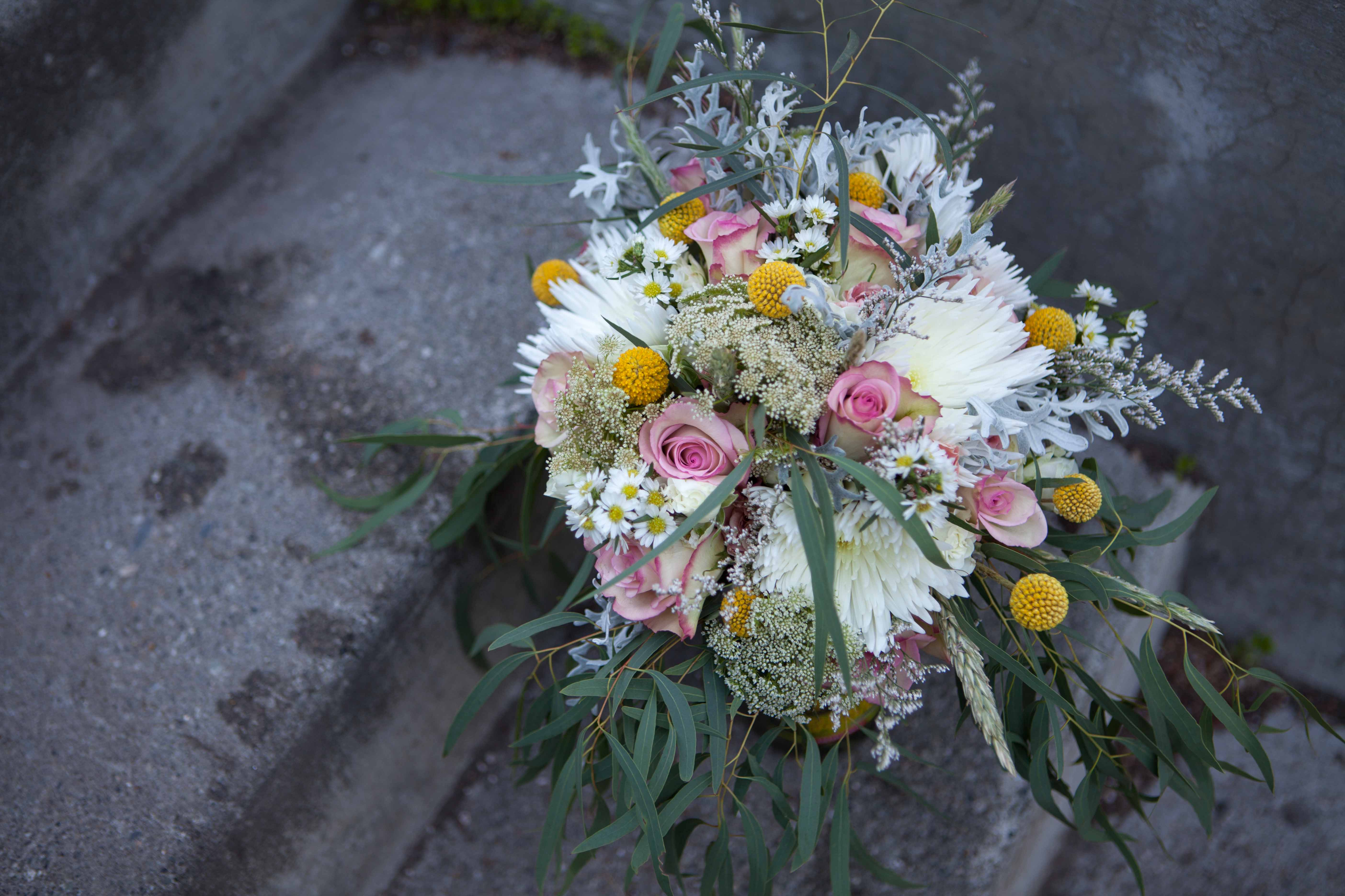 Wild bridal bouquet with roses, fuji mums, Queen Anne's Lace and billy balls | designed by Natasha Price of Paper Peony Alaska