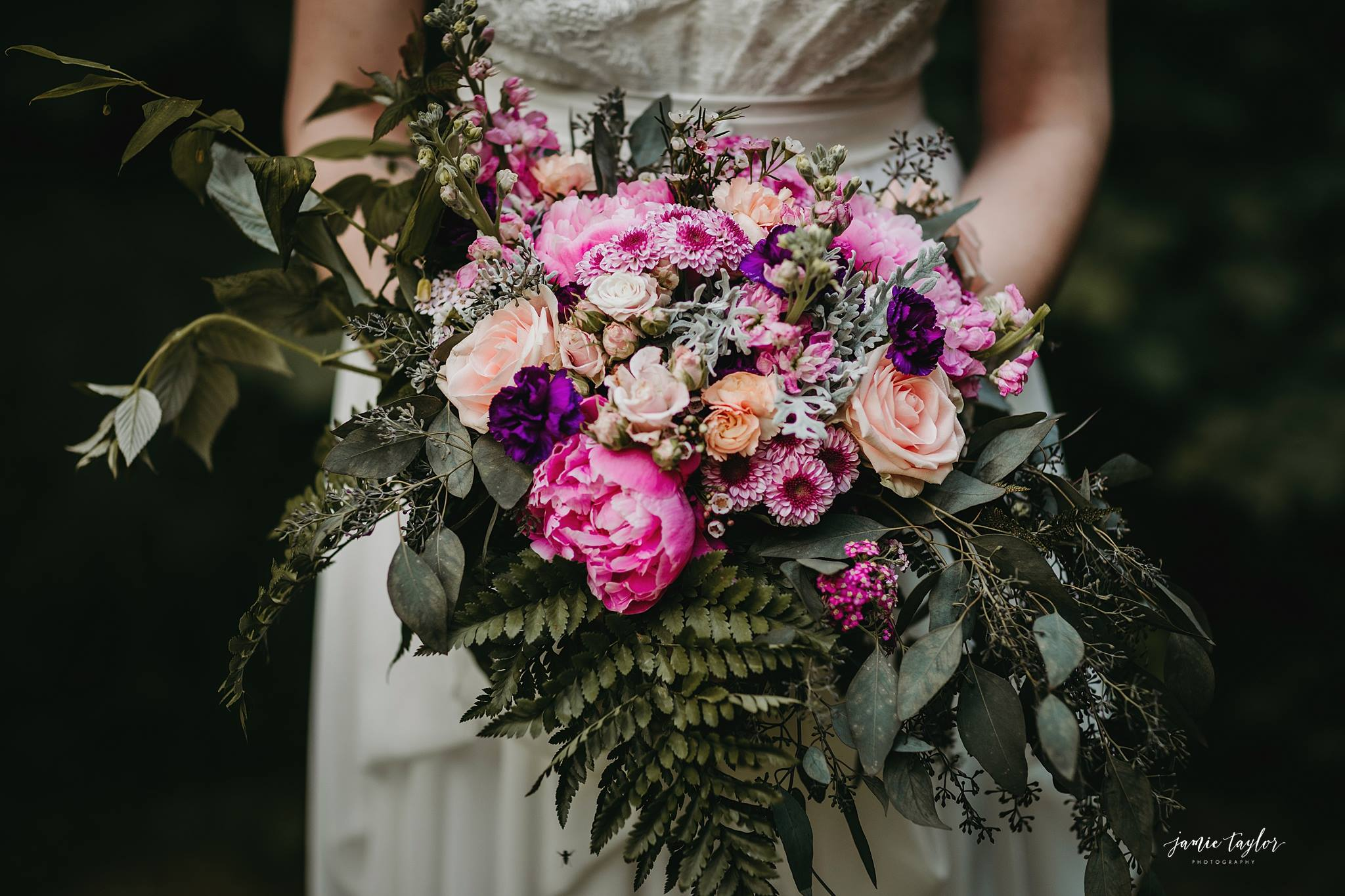 Floral design by Natasha Price of Paper Peony Alaska | Photo by Jamie Taylor Photography