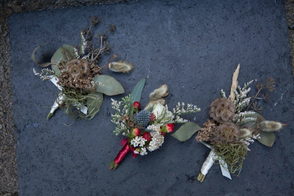 Foraged boutonnieres by Paper Peony Alaska