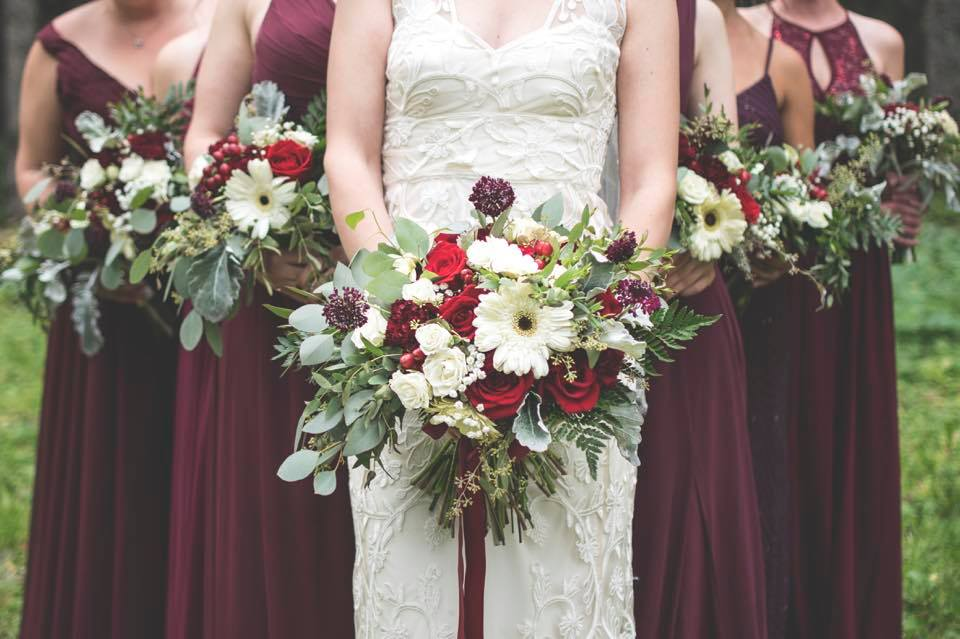 Floral design by Natasha Price of Paper Peony Alaska | Photo by SO Photo