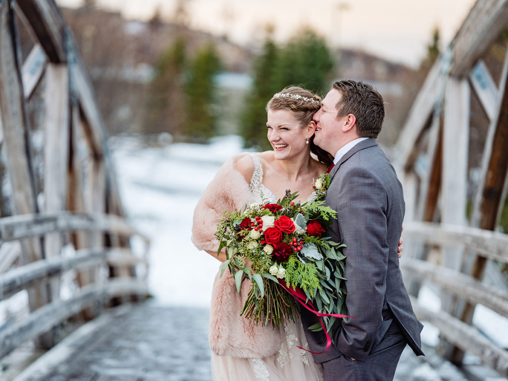 Winter wedding flowers by Anchorage florist Natasha Price of Paper Peony Alaska | Photo by Chugach Peaks Photography