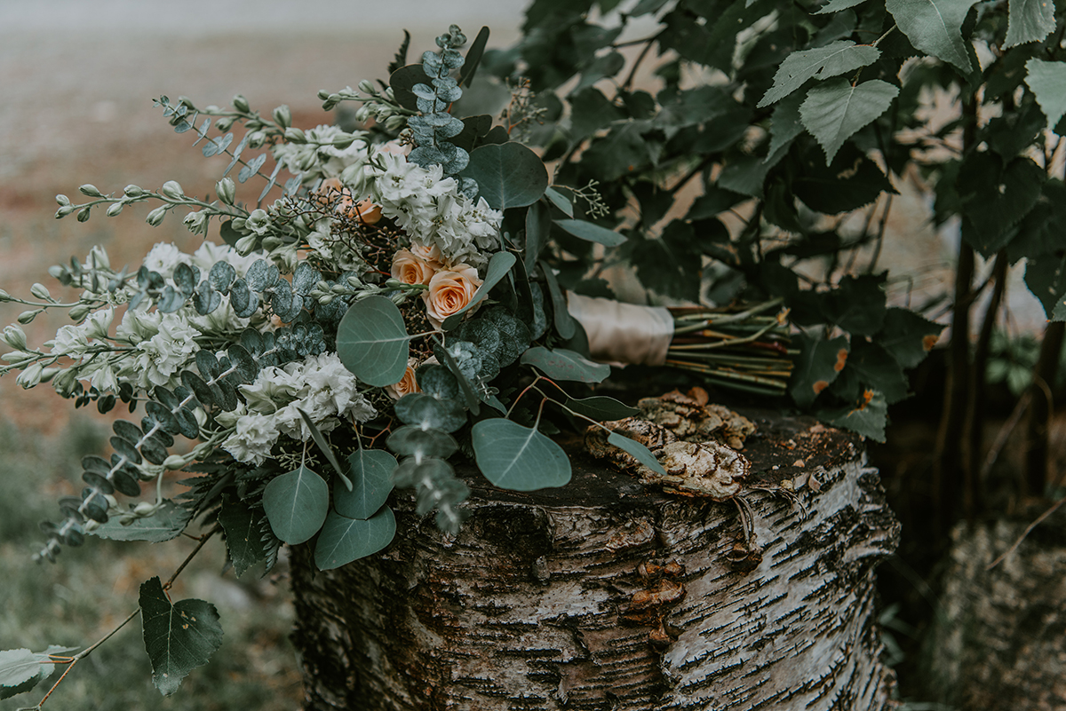 Floral design by Natasha Price of Paper Peony Alaska | Photo by SJP Photography