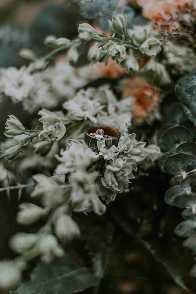 Wedding flowers by Anchorage florist Natasha Price of Paper Peony Alaska | Photo by Sabrina Jo Photography